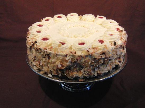 Ananasbuttercreme Torte