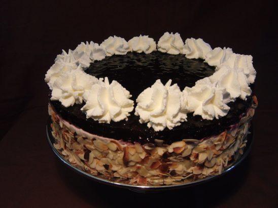Blaubeer-Marzipan- Torte